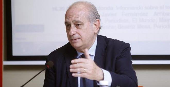El ministro del Interior, Jorge Fernández Díaz, en los cursos de verano de El Escorial. / EFE