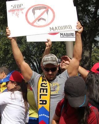 Protesta de opositores venezolanos en Houston. EFE