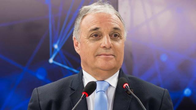 Após mais de um mês internado, prefeito da Grande Curitiba morre por Covid-19