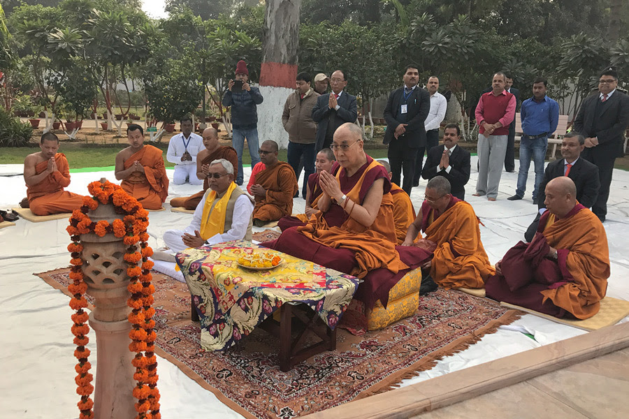 His His Holiness the Dalai Lama along with Bihar Chief Minister Nitish Kumar and monks from the Pali and Sanskrit traditions chanting prayers at Buddha Smriti Park in Patna, Bihar, India on December 28, 2016. Photo/Tenzin Taklha/OHHDL