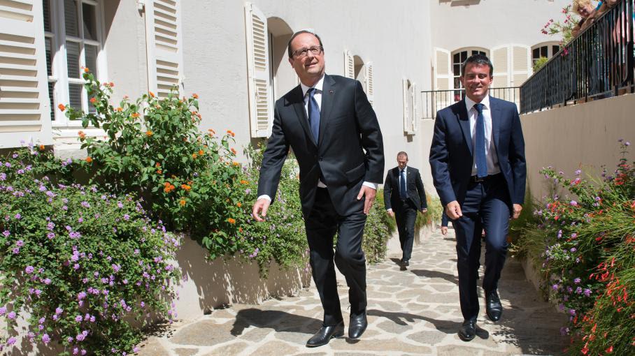 Le président de la République, François Hollande, et le Premier ministre, Manuel Valls, le 15 août 2014 au Fort de Bregançon (Var).